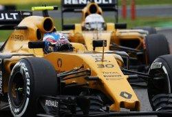 Renault no se pone excusas: quiere estar en la zona media