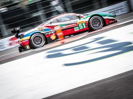 Miguel Molina y Nyck de Vries sorprenden a Ferrari
