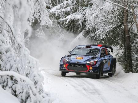 Thierry Neuville da el primer mordisco al Rally de Suecia