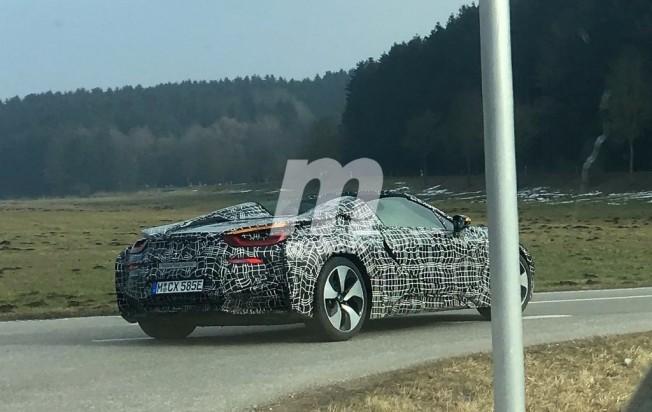 BMW i8 Spyder 2018 - foto espía