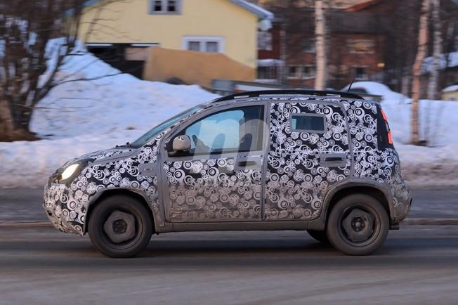 Fiat Panda Cross 2018 - foto espía lateral