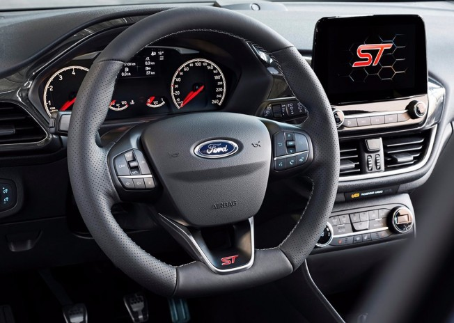 Ford Fiesta ST 2018 - interior