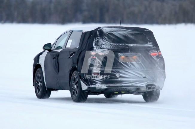 Hyundai Santa Fe 2018 - foto espía posterior