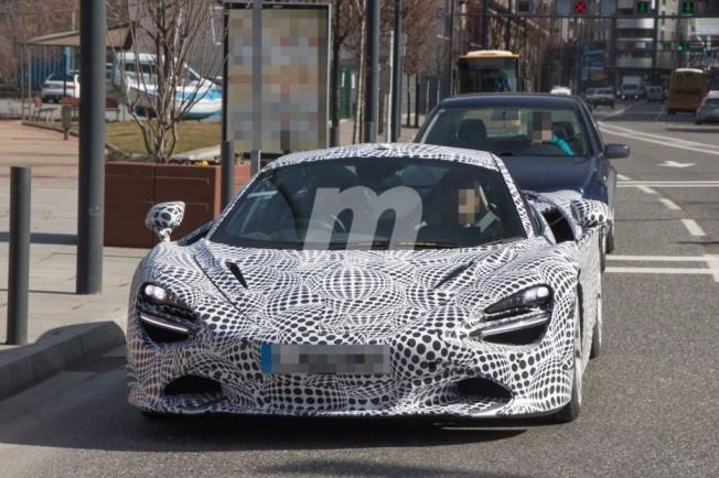 McLaren 720S - foto espía