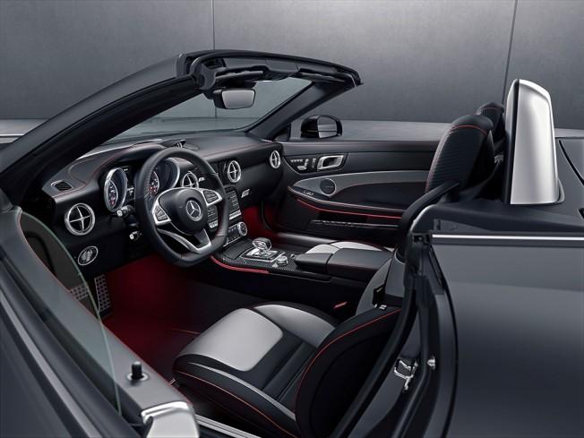 Mercedes SLC RedArt Edition - interior