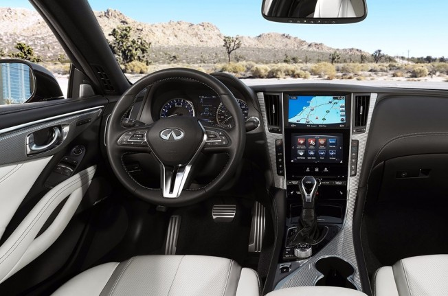 Infiniti Q60 2017 - interior