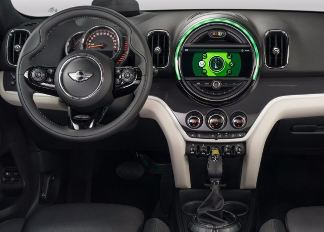 MINI Cooper SE Countryman ALL4 2017 - interior