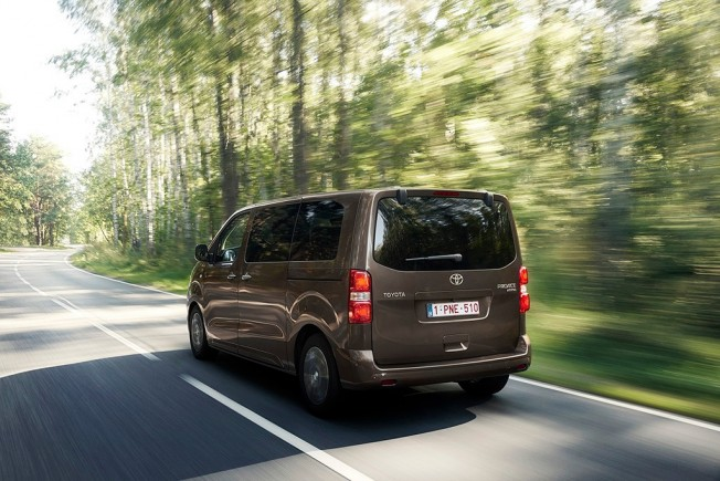 Toyota ProAce Verso 2017 - posterior