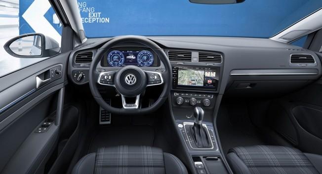 Volkswagen Golf GTD 2017 - interior