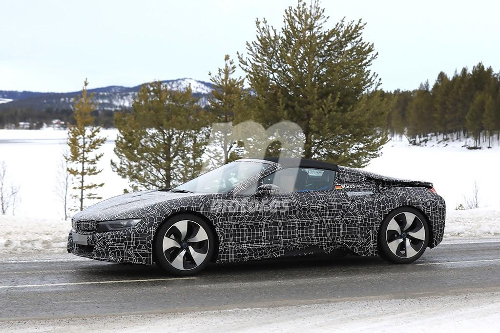 El BMW i8 Spyder retoma sus pruebas junto a su hermano coupé