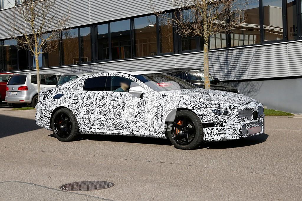 Cazado por primera vez el futuro Mercedes-AMG GT de 4 puertas