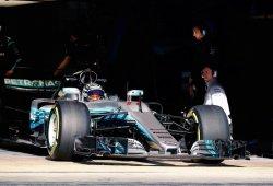 Bottas y Hamilton cambian roles para seguir dominando