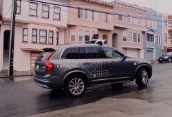 Los coches autónomos de Uber requieren de intervención humana cada 1,6 km