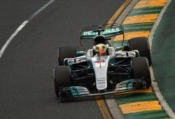 Hamilton y Bottas se topan con la amenaza de Vettel