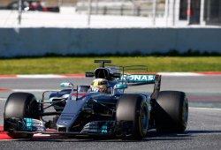 Hamilton ve a Ferrari como equipo a batir en la primera carrera