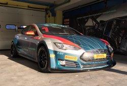 Lucas Di Grassi prueba el Tesla Model S del Electric GT