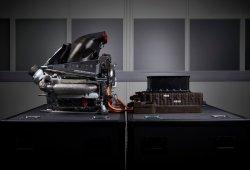 Mercedes se arriesgará con el nuevo motor en Australia