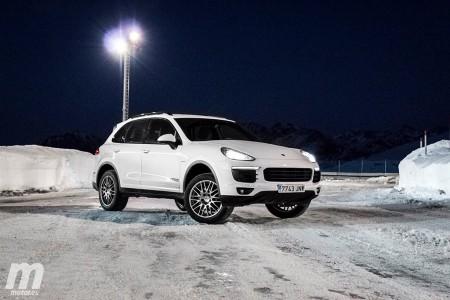 El Porsche Cayenne en modo offroad, sobre asfalto, tierra o nieve, nunca para