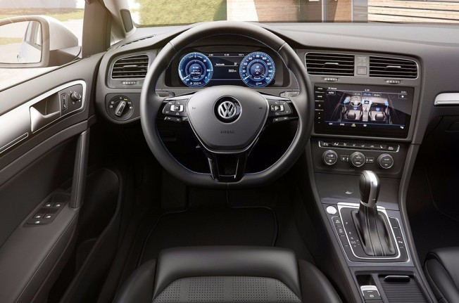 Volkswagen e-Golf 2017 - interior