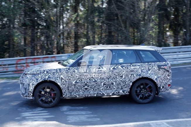 Range Rover Sport SVR 2018 - foto espía