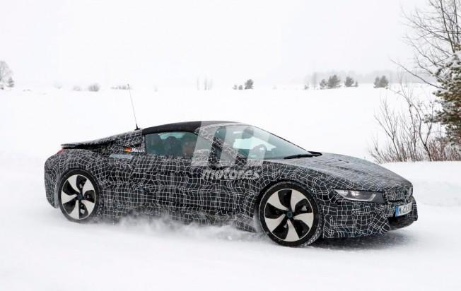 BMW i8 Spyder - foto espía