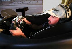 El IndyCar de Alonso será naranja, el español ya se entrena en el simulador