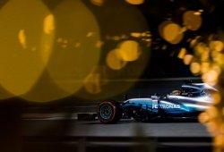 Hamilton pide disculpas a Mercedes por el bloqueo que le costó la sanción