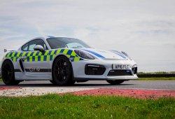 La policía de Norfolk estrena nueva arma: suma a su flota un Porsche Cayman GT4