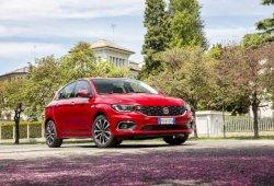 Italia - Marzo 2017: El Fiat Tipo se cuelga la medalla de plata