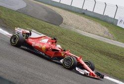 Vettel manda en los calurosos primeros libres