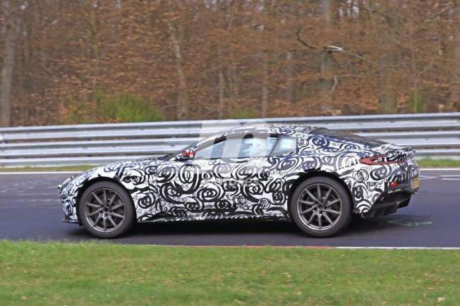 2017 - [Aston Martin] Vantage Aston-martin-vantage-v8-2018-201735224_4