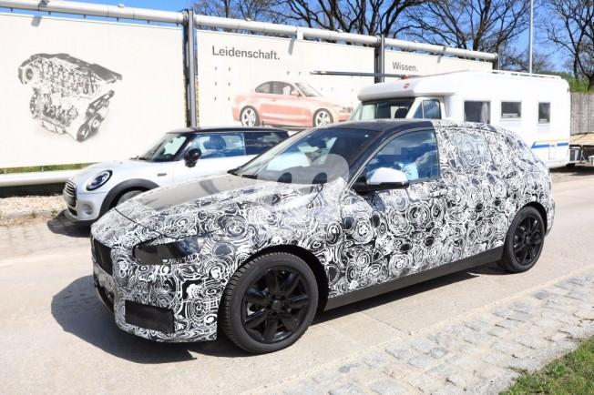 2018 - [BMW] Série 1 III [F40-F41] - Page 3 Bmw-serie-1-2019-201735351_5