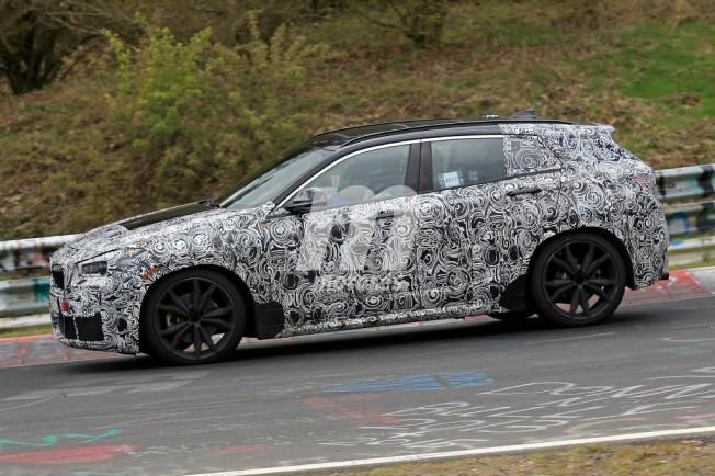 BMW X2 2018 - foto espía lateral