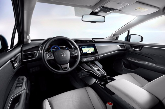 Honda Clarity Electric 2018 - interior