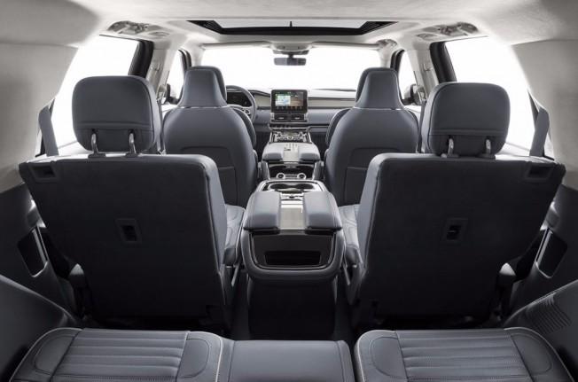 Lincoln Navigator 2018 - interior