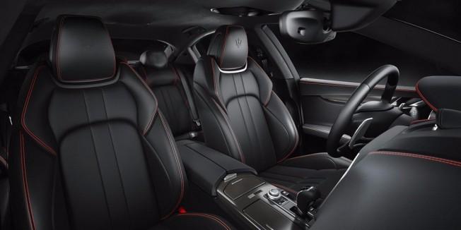 Maserati Ghibli Nerissimo Edition - interior