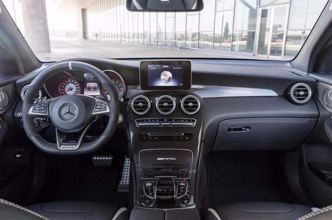 Mercedes-AMG GLC 63 S 4MATIC+ 2017 - interior