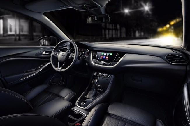 Opel Grandland X 2018 - interior