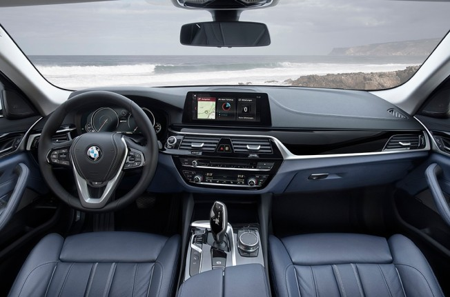 BMW 530e iPerformance - interior