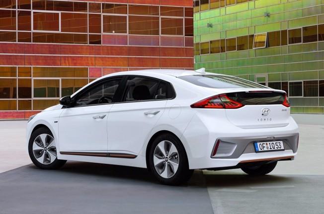 Hyundai IONIQ Electric 2017 - posterior