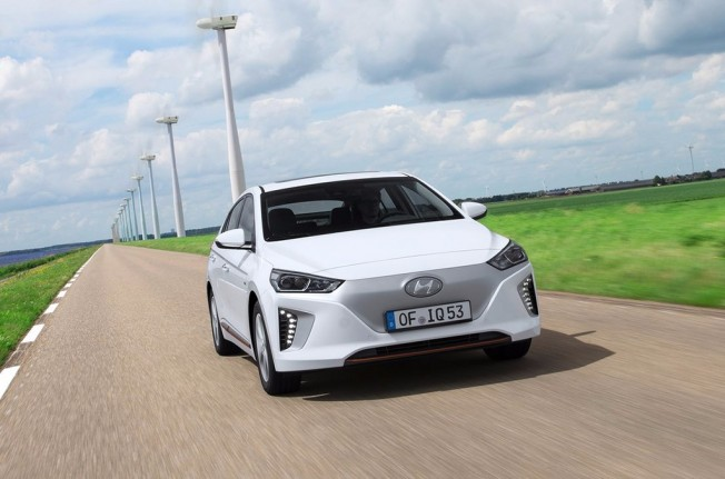 Hyundai IONIQ Electric - frontal