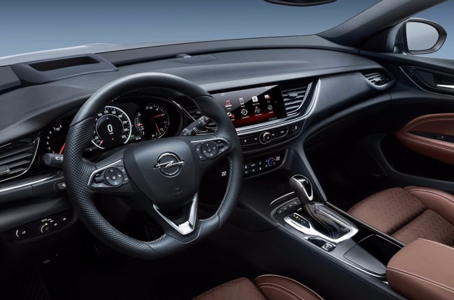 Opel Insignia Sports Tourer 2017 - interior