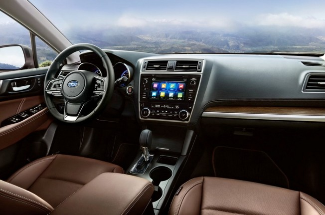 Subaru Outback 2018 - interior