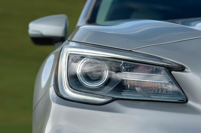 Subaru Outback 2018 - faro