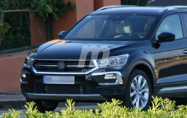 Volkswagen T-ROC 2018 - foto espía frontal