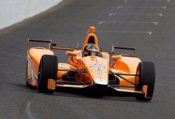 Alonso alcanza las 222 millas por hora en su primer día en Indy