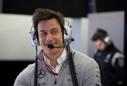 Wolff quita la razón a Hamilton: Ferrari no usó órdenes de equipo