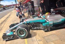 El Mercedes 'supervitaminado' domina los primeros libres