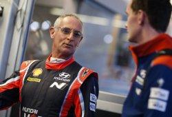 Hayden Paddon acelera la transición de su copiloto