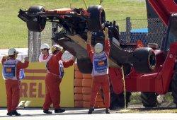 La rotura más espectacular de Alonso... en Barcelona